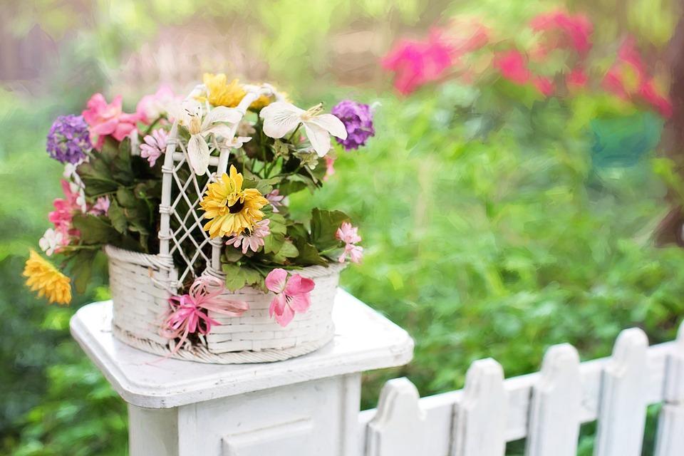 Houten Hekwerk Tuin : Houten hekwerk maakt u tuin helemaal af bestforu